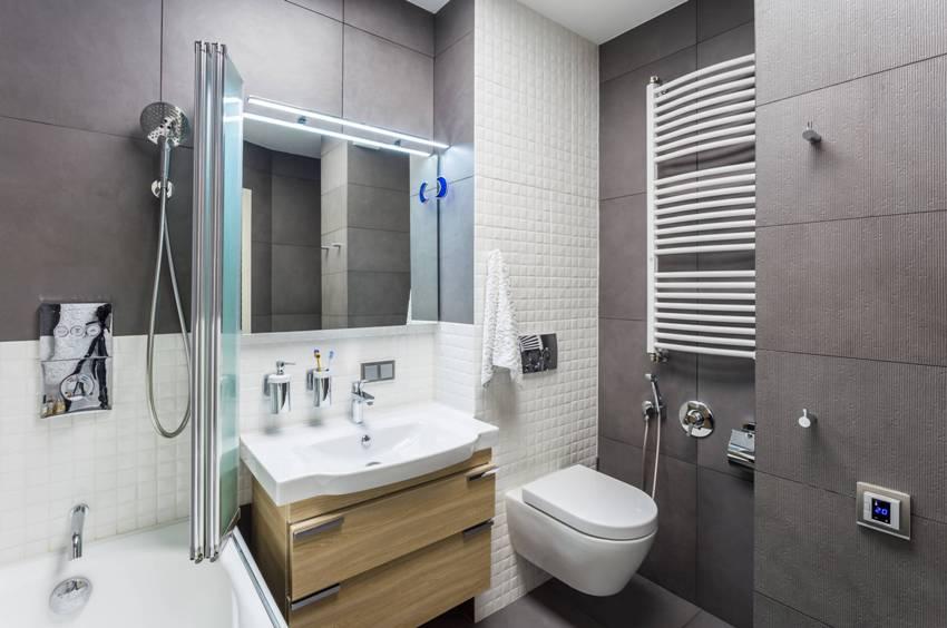 Унитаз оснащенный гигиеническим душем представляет собой лейку, очень похожую на душевую