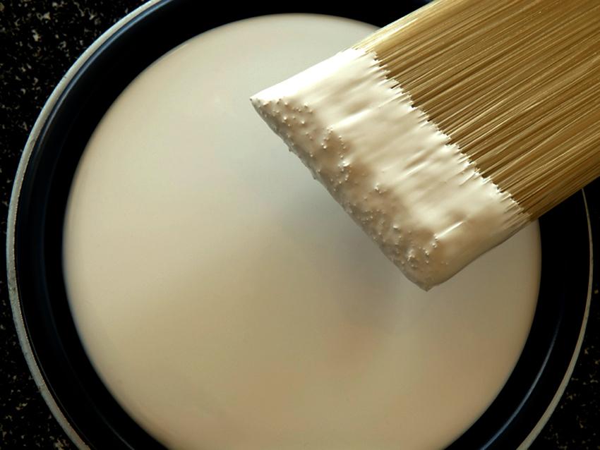 Краски по бетону бывают для внутренней отделки или наружной