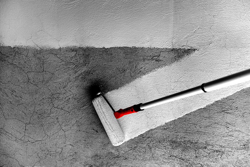 Без покраски бетонный пол очень быстро приходит в непригодное состояние