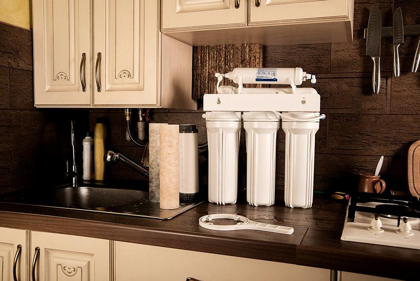 Фильтры делают воду мягкой и вкусной, а также более безопасной для сантехнических и бытовых приборов