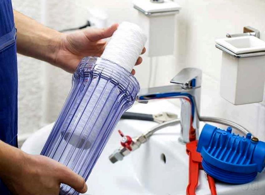 В случае, когда система централизованного водоснабжения не в порядке, установка фильтра – неизбежна