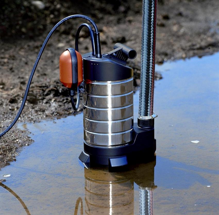 Фекальные насосы могут работать с жидкостью содержащей крупные твердые частички диаметром до 35 мм