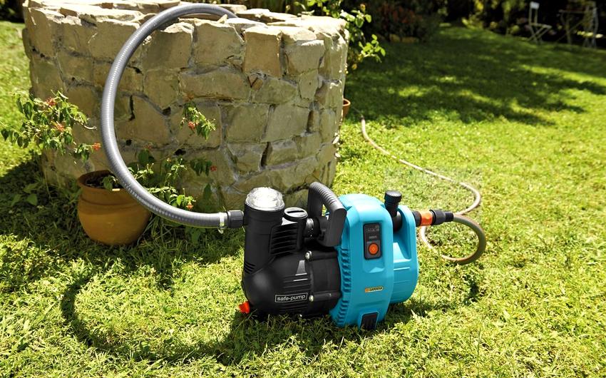 Насосы для перекачки воды по месту расположения могут быть поверхностными или погружными