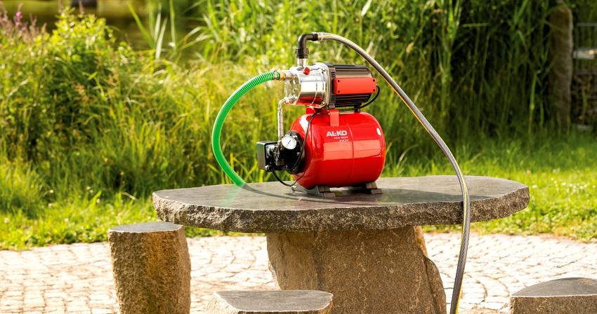 Поверхностный насос для перекачки воды должен находится на некотором расстоянии от источника