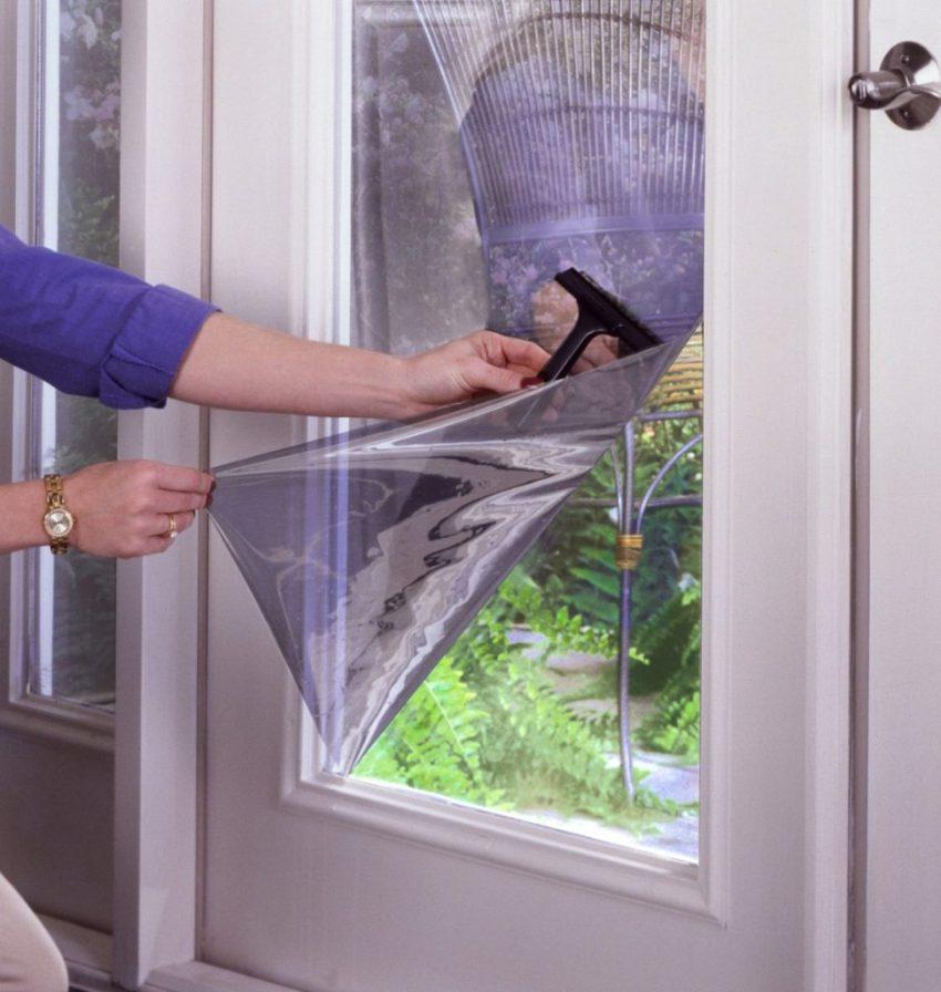 Металлизированный слой выступает в качестве своеобразного экрана для солнечного излучения