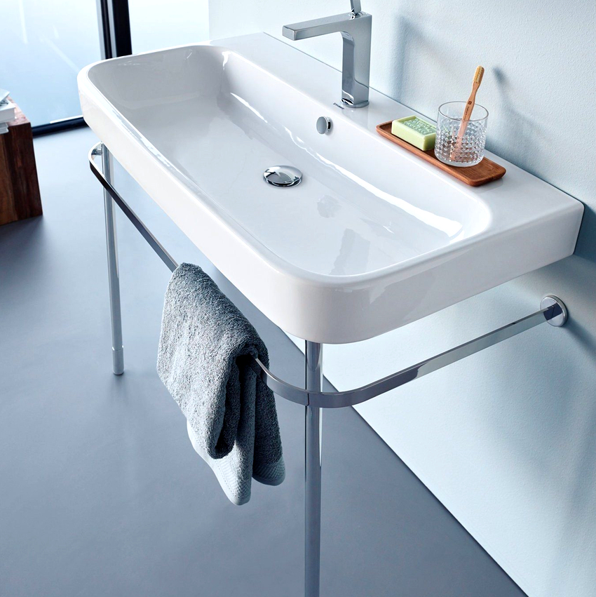 Подвесная раковина для ванной навешивается на кронштейны или устанавливается на металлическую раму