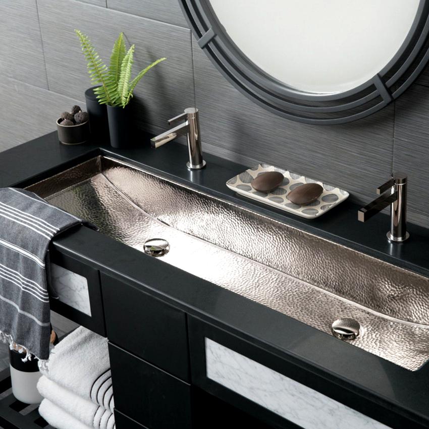 Встраиваемые раковины имеют два вида установки: с частичным утапливанием чаши и размещением под столешницу