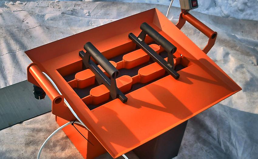 Для изготовления шлакоблоков собственноручно понадобится специальный станок