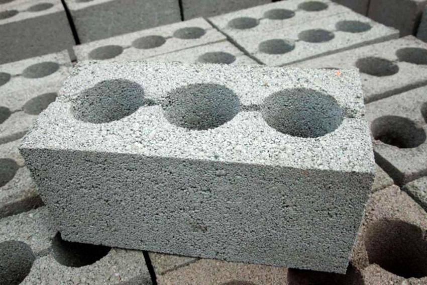 На стоимость блоков влияет состав изделия и его разновидность