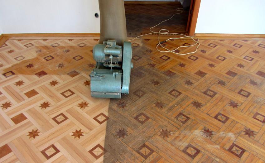 Шлифование деревянного пола проводится с целью подготовки основания для покрытия его лаком, воском или маслом