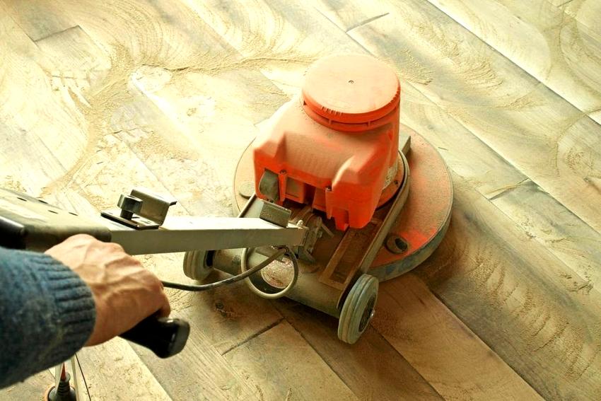 Стоимость тонкой шлифовки деревянного пола составляет 120 руб/м²