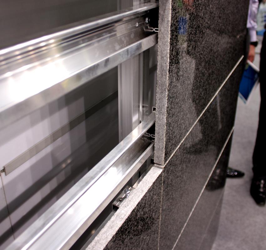 Алюминиевый профиль для вентилируемого фасада имеет небольшой вес и отличные антикоррозийные свойства