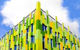 Система вентилируемого фасада: защитно-декоративная оболочка здания