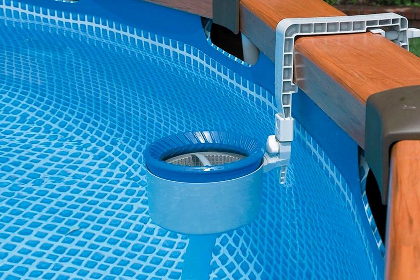 Скиммер – это фильтрационное приспособление для очистки воды в бассейне