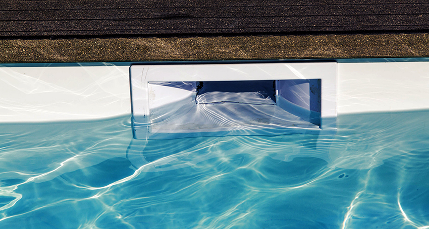 Также скиммеры контролируют уровень воды, предотвращая перелив