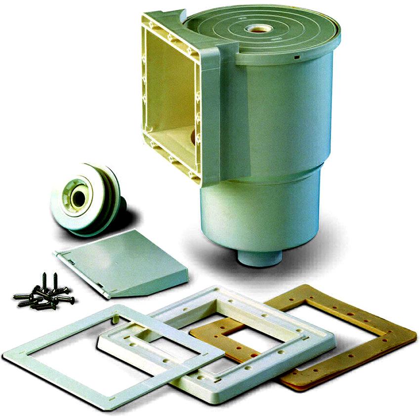 Один фильтрационный скиммер способен очистить до 25 кв. м площади