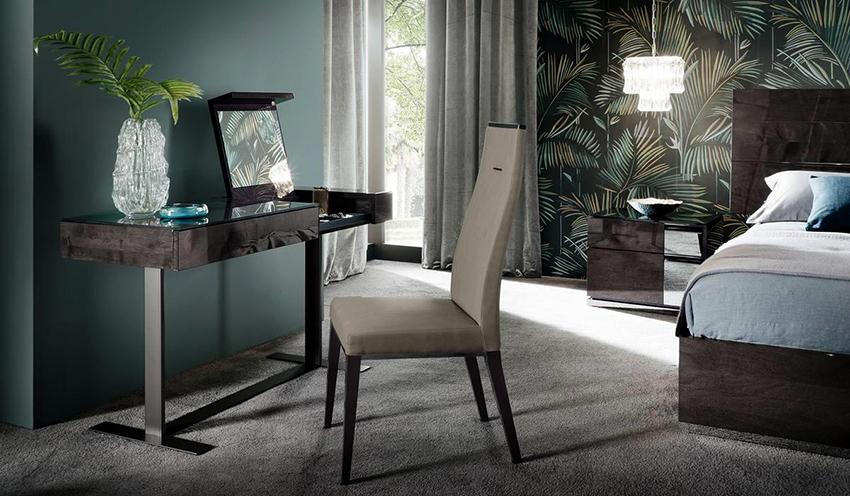 Выбирая косметический столик нужно обращать внимание на его размер, стиль и материал изготовления