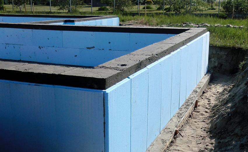 Утепление фундамента дома снаружи: лучший способ уберечь основу здания
