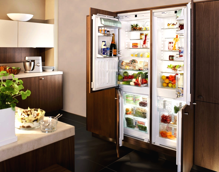 Встраиваемые холодильники side-by-side от компании Liebherr состоят из двух отдельных блоков