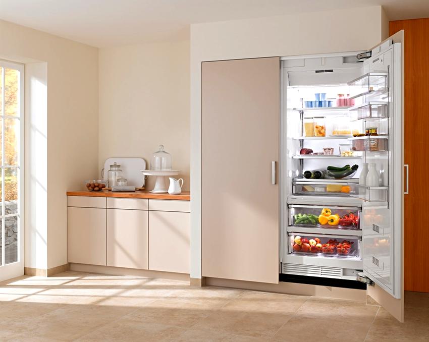 Надежность, современный функционал и приемлемая цена встраиваемых холодильников Samsung, делают их популярными у пользователей всего мира