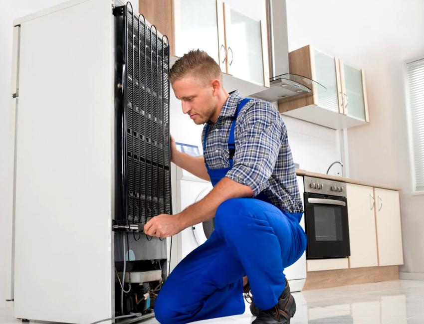 Перед началом монтажных работ необходимо проверить размеры шкафа под встраиваемый холодильник