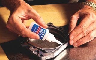 Цианакрилатный клей: разновидности, технические характеристики и особенности использования