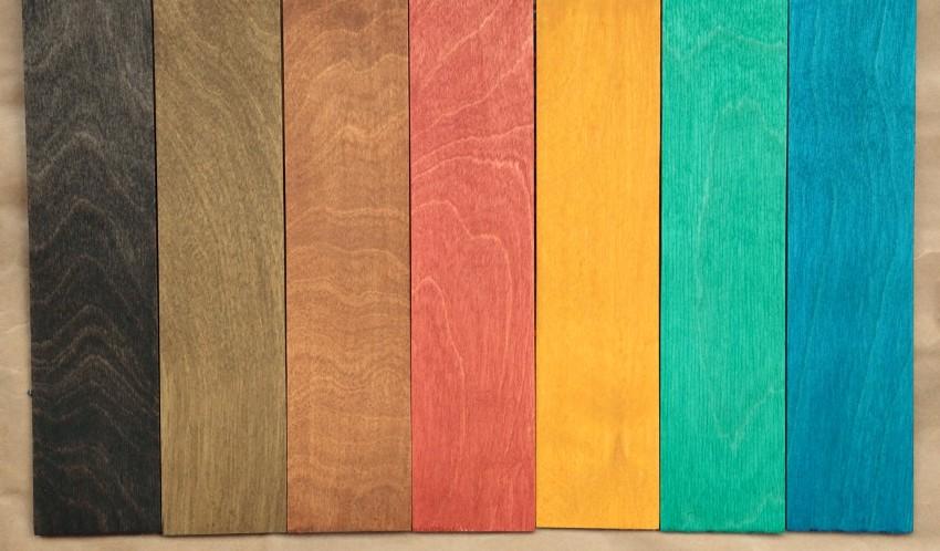 Для создания необычных эффектов на дереве используются не только классические оттенки под древесину, но и более яркие
