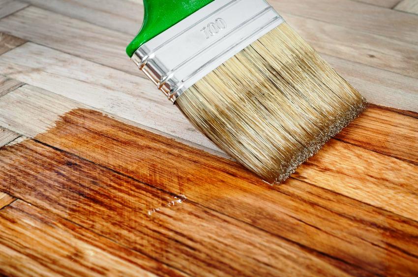 Для очень мягких пород древесины многие производители предлагают специальные морилки-гели