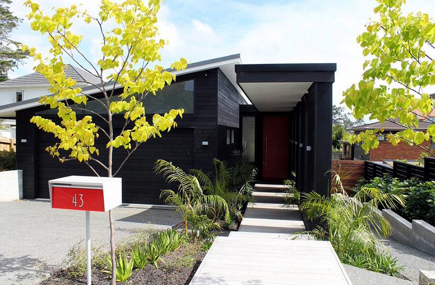 Дома с гаражом площадью до 150 м² подходят для проживания семей до 5 человек