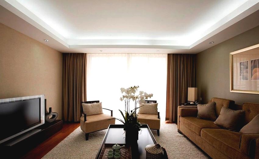 Если хочется сделать помещение необычным, праздничным и привлекательным, то лучше выбрать сатиновое полотно