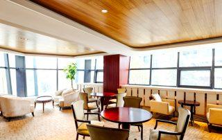 Сатиновый натяжной потолок: эффектное преображение поверхности