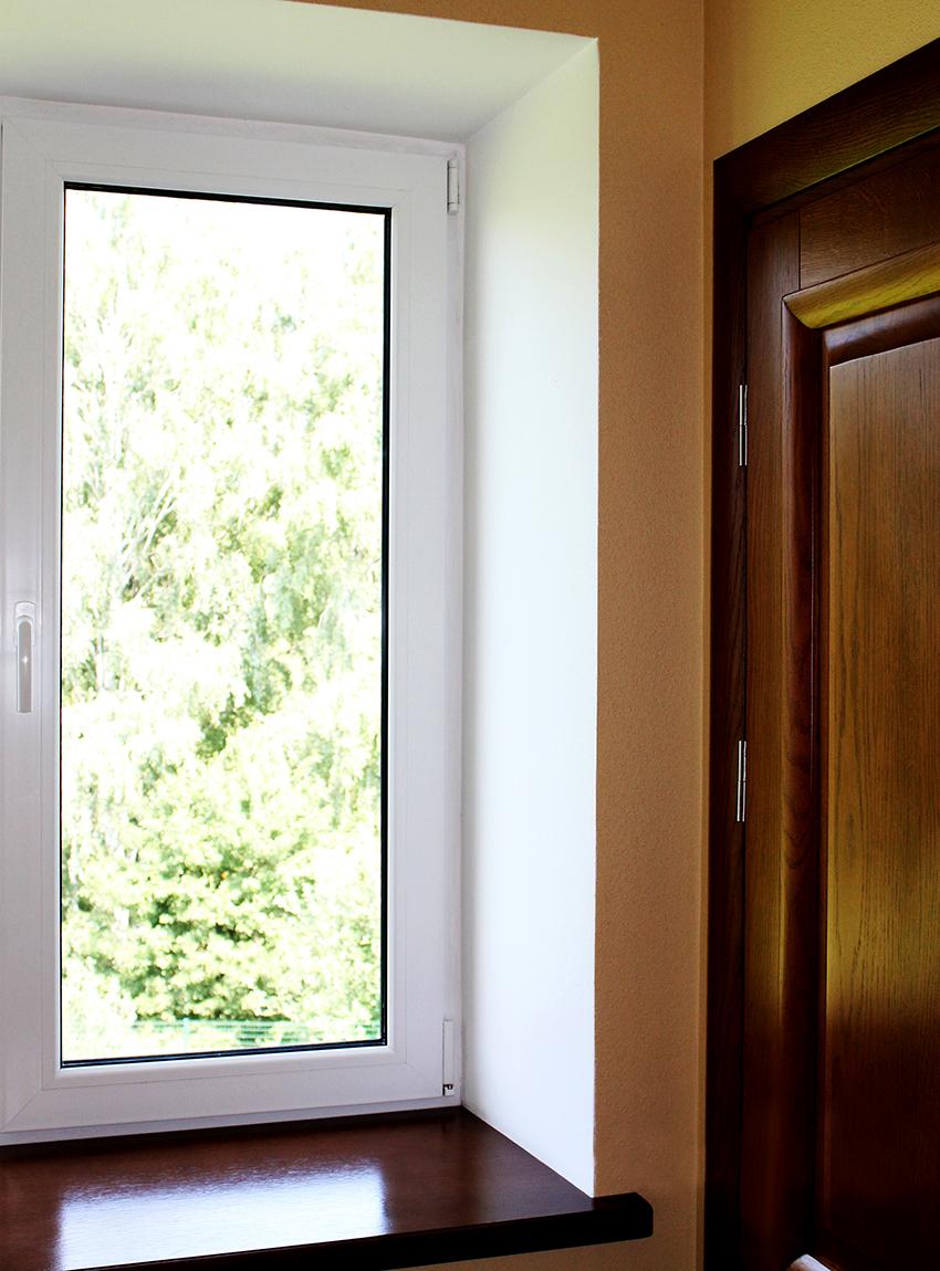 Кроме того, оконные откосы выполняют декоративную функцию