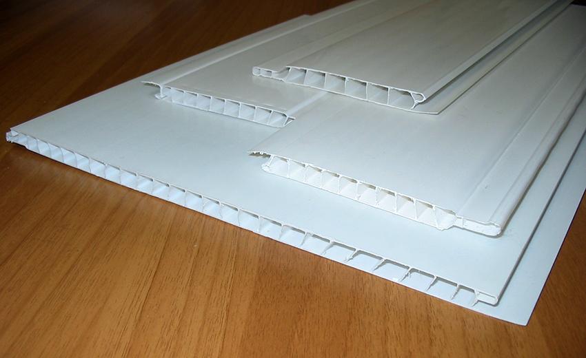 Пластиковые панели для откосов не нуждаются в дополнительной отделке