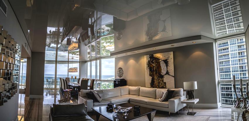 Серебристый, серый и металлик подчеркивают изысканную дизайнерскую обстановку