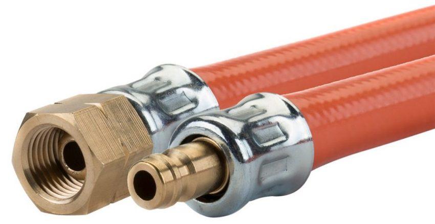 Быстросъемы для газового шланга оснащены самозапирающимся элементом
