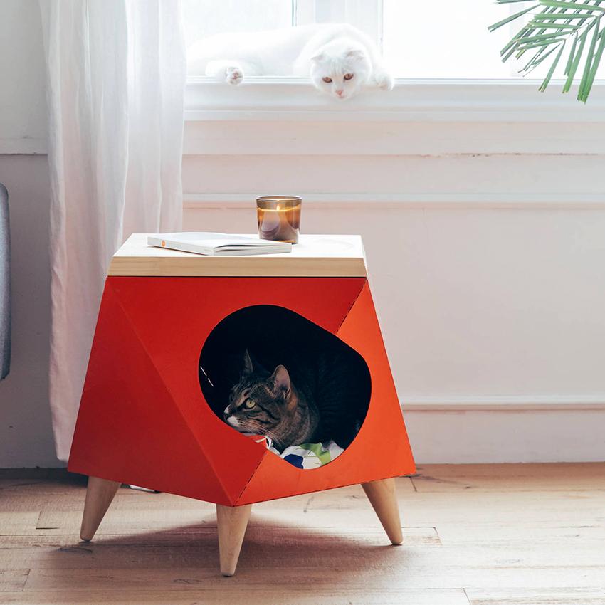 Кошки очень самодостаточные существа, поэтому личный домик им просто необходим