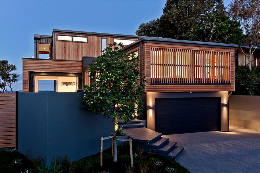 Фасадный планкен из ДПК имеет много преимуществ в сравнении с древесиной