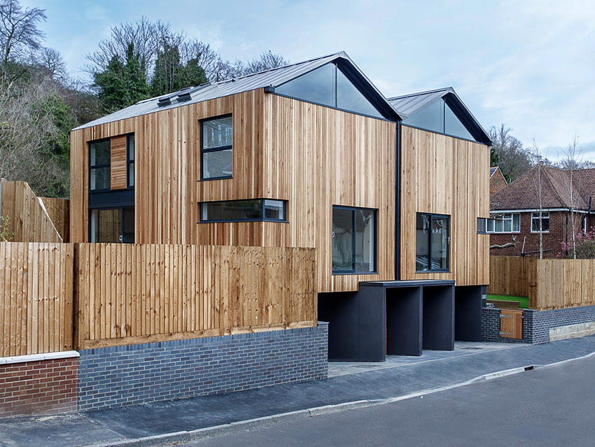 Фасадный планкен на домах расположенный вертикально чаще всего встречается в станах Европы