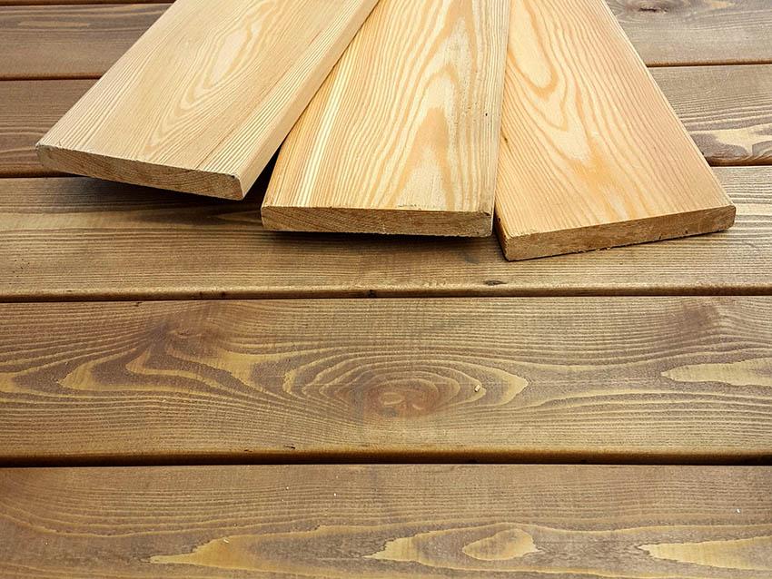 По форме фасадный планкен бывает скошенным или прямым