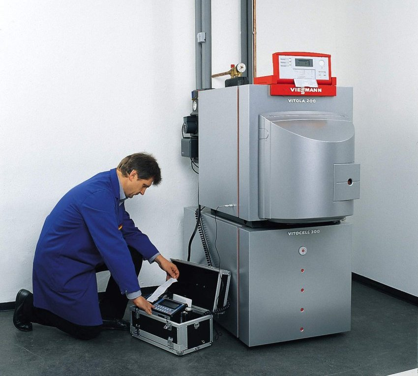 Стальной котел отличается значительно меньшим весом и используется для производства агрегатов любой мощности