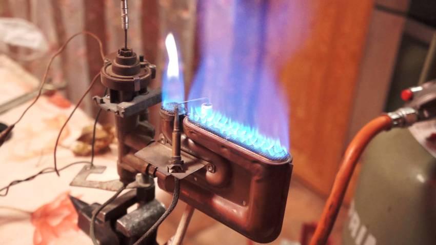 Каждая горелка оснащается форсунками, распределяющими газ по всей системе