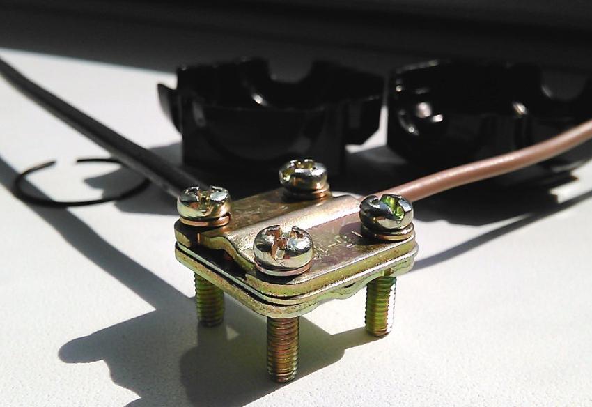 Пока одни сомневаются, можно ли соединять медные и алюминиевые провода, другие успешно это делают