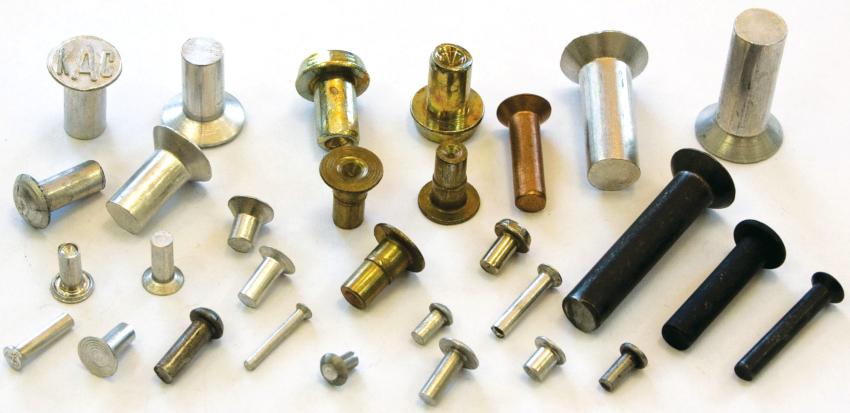 Так как заклепки существуют различных типов, диаметров и длины, то каждый сможет выбрать подходящий вариант