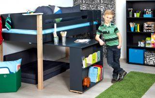 Кровать-чердак с рабочей зоной для подростка: особенности и характеристики мебели