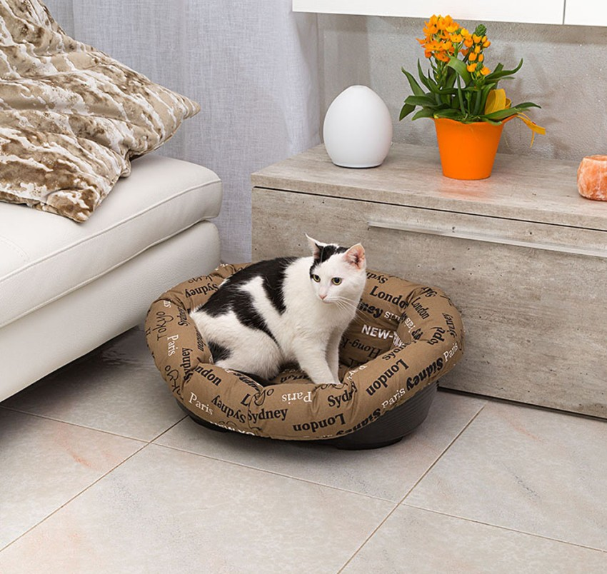 Кошка не будет спать в лежаке, если ей не понравится материал или его твердость