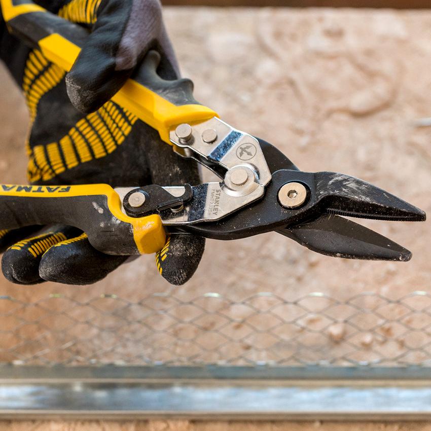 Ручные ножницы по металлу могут быть коваными, литыми и составными