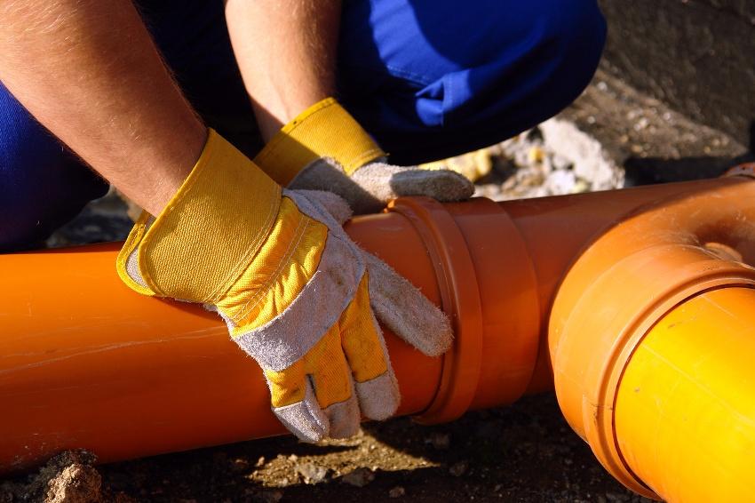 Обратные клапана делают возможным свободное отведение стоков при падении уровня в сточном канале