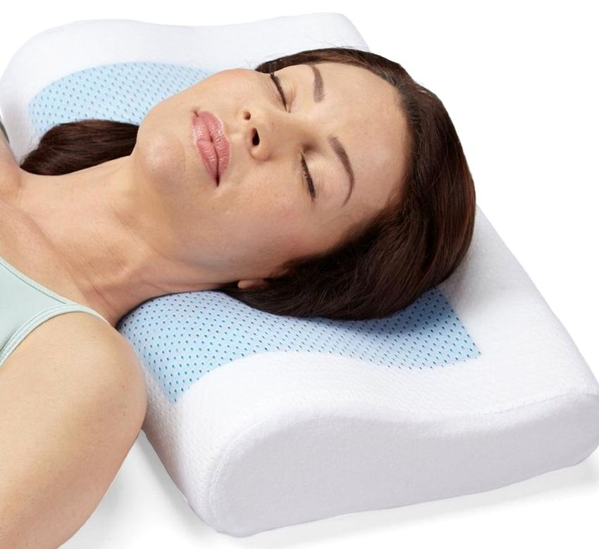Для тех кто спит на спине отличным вариантом станут подушки с эффектом памяти прямоугольной формы