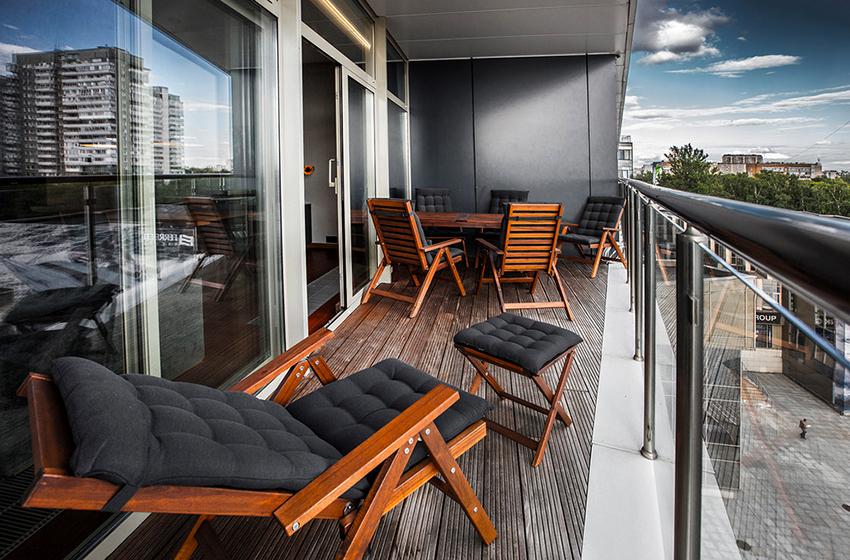 Чаще всего для балконов используют плитку, вагонку, панели и гипсокартон