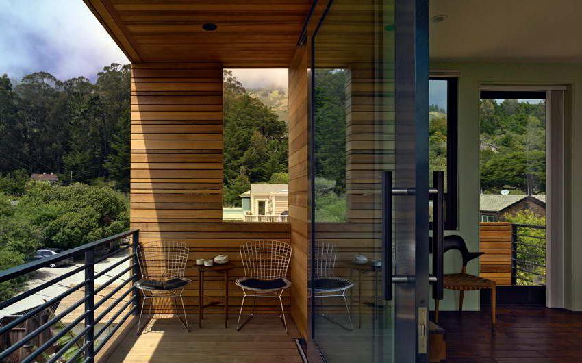 Интерьер балкона должен повторять общий дизайн квартиры или дома
